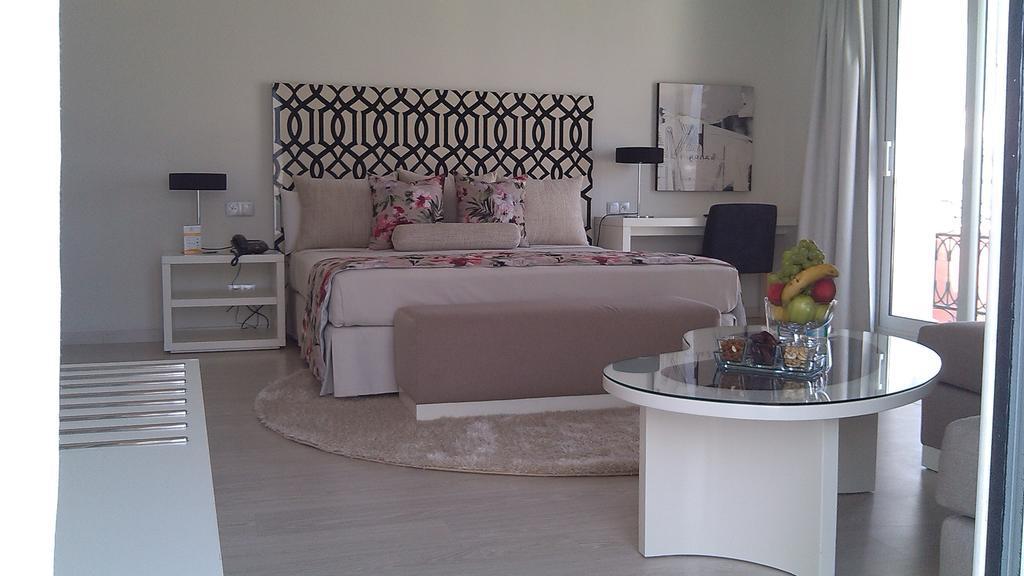 Hotel Al Mandari